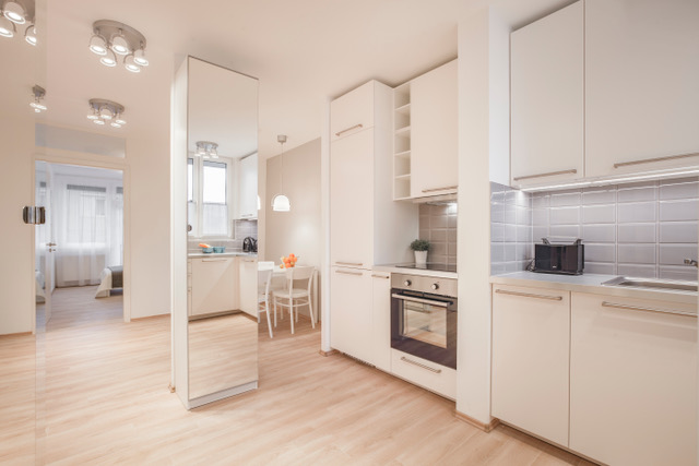 A megújult előszoba: egybe nyitva a konyhával és étkezővel